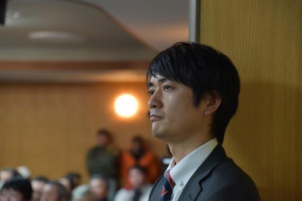 角田賢明氏