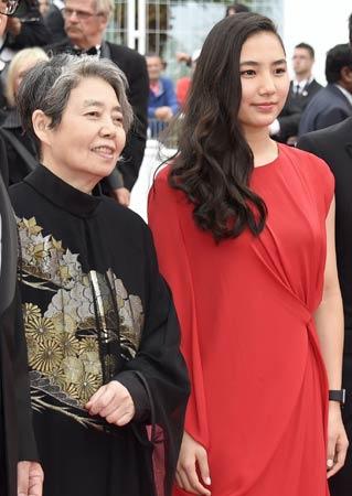 2015年カンヌ映画祭での樹木希林・内田伽羅