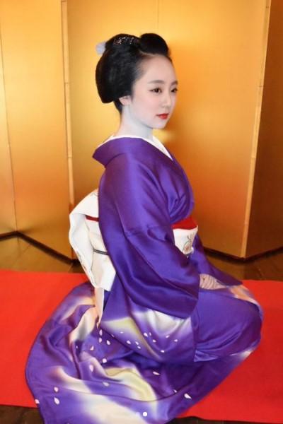 祇園甲部の元芸妓・実佳子さん